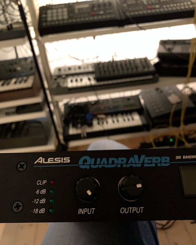 Still love those old MultiFX from Alesis. Will try this Quadraverb now ..